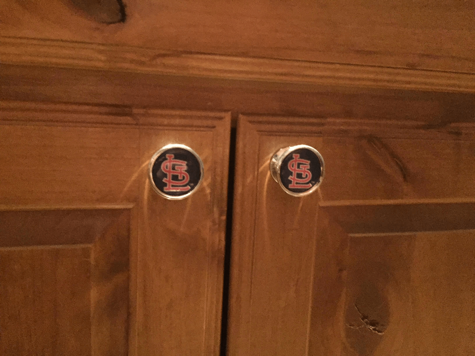 Cardinals cabinet pull details