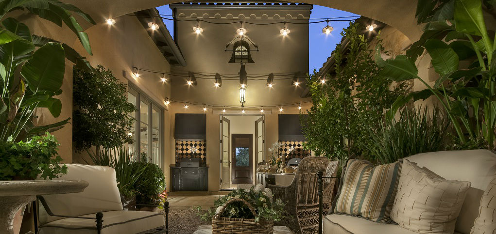 Home of the week 7721 plan by camelot homes for Homes with courtyards in the center