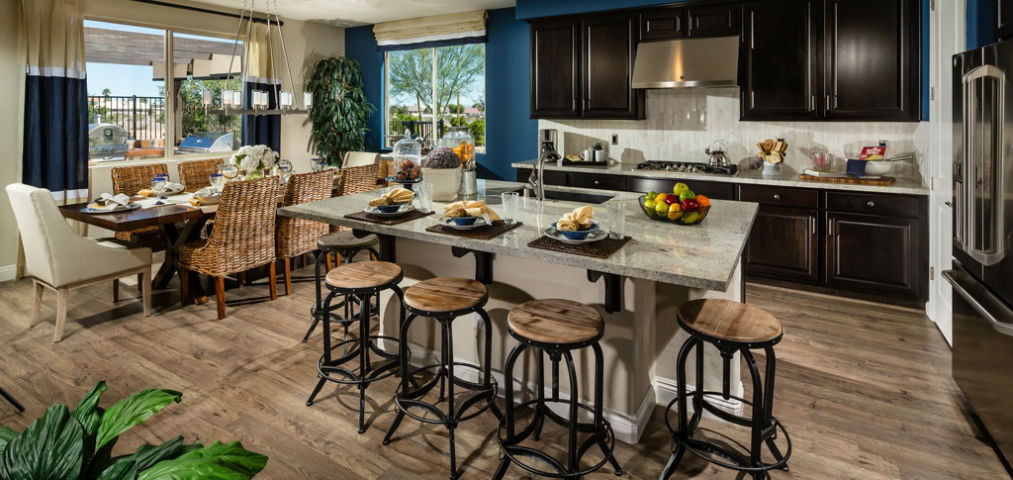 Home of the week silverton plan model plan 2a by pardee homes for Model home kitchen images