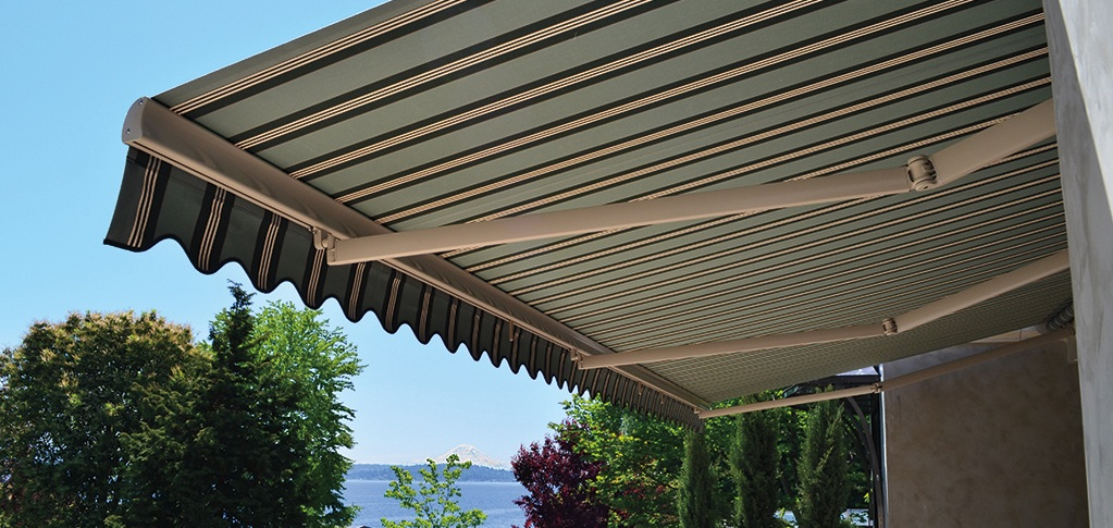 Retractable Awnings from Rainier Shade